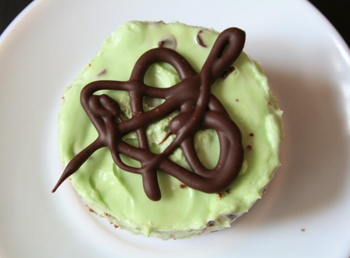 Entremets menthe-chocolat Délice & Sens